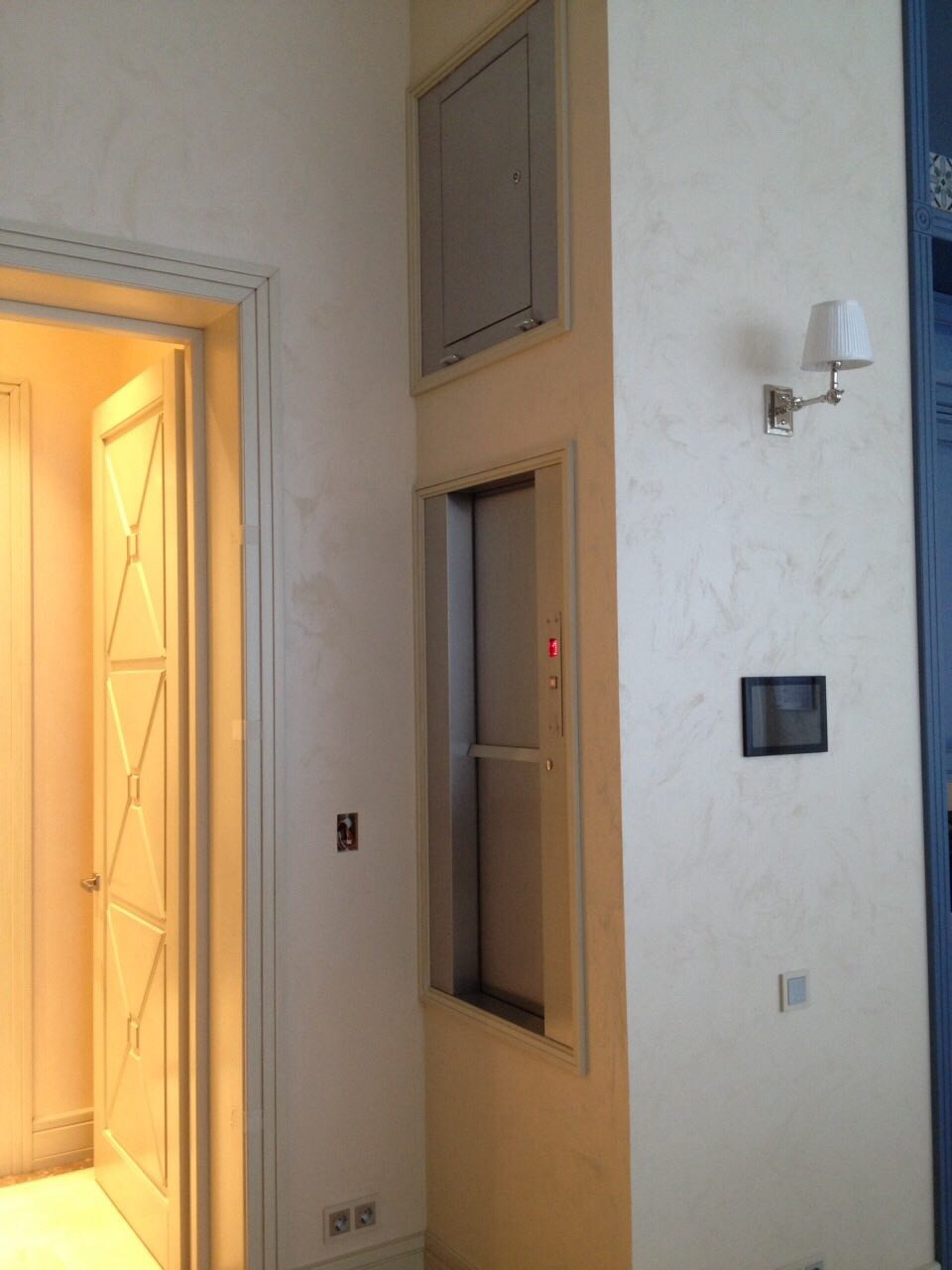 Малый грузовой лифт для коттеджа в поселке 'Петровский' 1